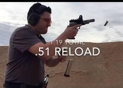 Enlace a El hombre más veloz recargando un arma: 0,51 segundos