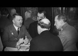 Enlace a El tono normal de voz de Hitler fuera de los mítines