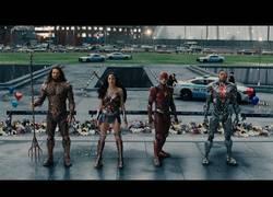 Enlace a El nuevo trailer de JUSTICE LEAGUE con la reunión de sus superhéroes