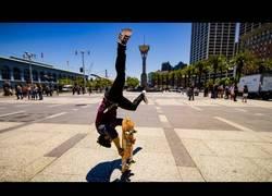 Enlace a Mezclan parkour con skate y el resultado es una maravilla