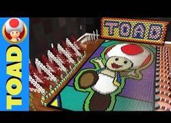 Enlace a Recrean el universo de Toad en 20.036 piezas de dominó