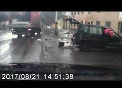 Enlace a Y así es como nacen los rusos: de accidentes de tráfico como este