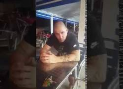Enlace a John Cobra manda un mensaje al hijo de la Tomasa, el terrorista que amenazó a España