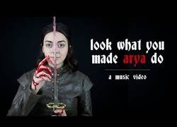 Enlace a Parodia: Look What You Made Arya Do (Game of Thrones)