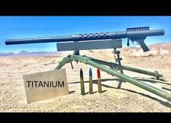 Enlace a El poder de balas de 20mm contra una placa de titanio