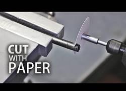 Enlace a Cortando materiales con papel