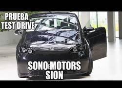 Enlace a Probando el Sono Sion, el coche que funciona con luz solar