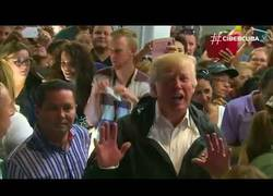 Enlace a Trump lanza papel higiénico en Puerto Rico y ha sido duramente criticado