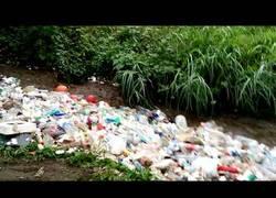 Enlace a En Guatemala este río está a otro nivel en cuanto a transporte de basura