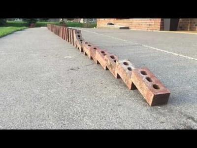 El doble efecto dominó hecho con ladrillos