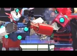 Enlace a La gran pelea final en un torneo de robots en Japón