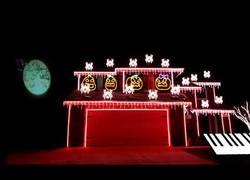 Enlace a El espectacular show de luces en esta casa para Halloween