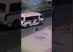Enlace a El pasajero que esperaba al autobús y desapareció de repente