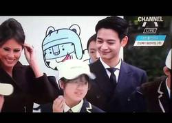 Enlace a Esta estudiante se emocionó máximo al ver a la estrella del K-Pop mientras estaba allí Melania Trump