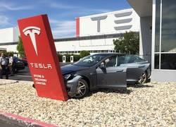 Enlace a Recopilación de los accidentes que NO ha evitado el piloto automático de Tesla