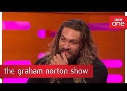 Enlace a Seis años después, Jason Momoa todavía es capaz de hablar Dothraki