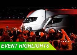 Enlace a Tesla sorprende al mundo presentando sus camiones y semiremolques