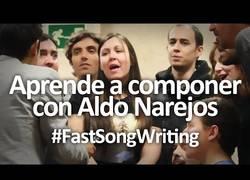 Enlace a Este músico es capaz de enseñar a componer canciones de forma rápida y eficaz y lo muestra en este video