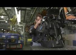 Enlace a El alucinante exoesqueleto que usan en las instalaciones
