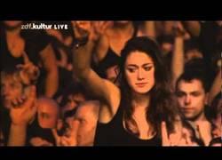 Enlace a Se te pondrá la piel de gallina con este público en el concierto de Blind Guardian