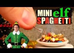 Enlace a Cocinando unos mini spaghettis para gente diminuta