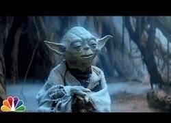 Enlace a Los personajes de Star Wars interpretan