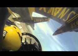 Enlace a Sorprendente la proximidad a la que vuelan los F/A-18 Hornet de los Blue Angels