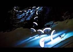 Enlace a Preciosas imágenes del Speed Riding nocturno en el Mont Blanc