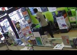 Enlace a Esto es lo que pasa cuando intentas robar en la tienda equivocada