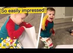 Enlace a Le regalan un plátano por Navidad y lo celebra como el niño de '¡UN PALO!'