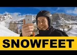 Enlace a Snowfeet presenta unos esquís en tamaño mini que pretenden revolucionar el mercado