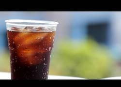 Enlace a Algunas de las peores bebidas energéticas con efectos colaterales dañinos que quizás no imaginabas