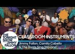 Enlace a Jimmy Fallon y Camila Cabello se juntan para tocar 'Havana' y el resultado es genial