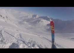 Enlace a Pierde un esquí cuesta abajo y su localización es prácticamente ya imposible