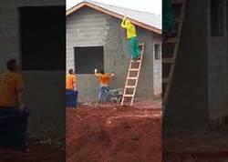Enlace a A falta de medios, buena es la puntería para poner cemento