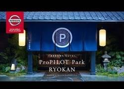 Enlace a Nissan revoluciona el mercado en este hotel colocando cojines y zapatillas con piloto automático