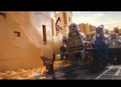 Enlace a Un apocalipsis zombie con LEGO es lo más surrealista que he visto nunca