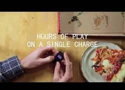 Enlace a PocketSprite, la consola mini para juegos de Game Boy y Sega