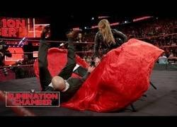 Enlace a Ronda Rousey sorprende a todo el mundo pasándose a la WWE