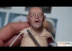 Enlace a Este artista esculpe desde cero la figura de Doc y el resultado es IMPRESIONANTE
