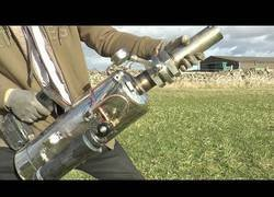 Enlace a El inventor más loco se crea un lanzapatatas con mucha potencia