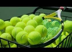 Enlace a Así es el trabajo de producción de pelotas de tenis