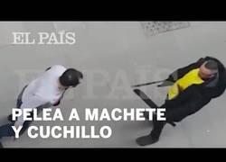 Enlace a La tremenda pelea en las calles del Raval con un machete y cuchillo