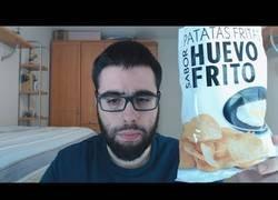 Enlace a Salvador Raya prueba las novedosas patatas fritas con sabor a huevo frito