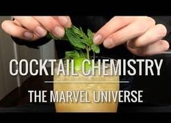 Enlace a Recrean a la vida real los cóctels más famosos del universo Marvel