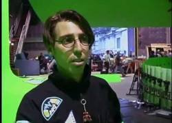 Enlace a Esta es la tecnología que se usó para grabar la famosa escena de Neo esquivando balas en Matrix