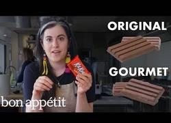 Enlace a Esta chef prepara un Kit Kat con un nivel gourmet que sorprende a todos