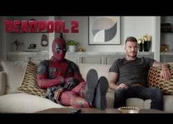 Enlace a El divertido spot de Deadpool pidiéndole disculpas a David Beckham por los comentarios que hizo en la primera película