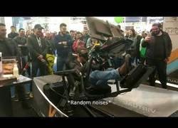 Enlace a Prueba un simulador de carreras con realidad virtual y sus reacciones son lo más loco que verás en la vida
