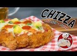 Enlace a KFC Chizza (Pizza + Pollo crujiente)